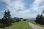 Blick hinüber zur Steinwandleiten, dazwischen das Tal