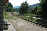 dann Radweg und Eisenbahn