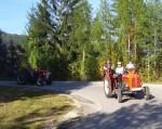 Begegnung mit einem Traktorenausflug (da waren 15-20 weitere)