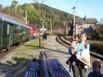 Bei der Einfahrt des Zuges