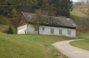 Ein altes Haus am Weg zur Ober-Ramsau hinauf