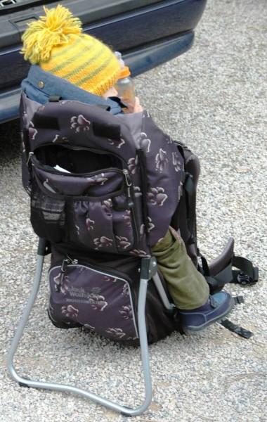 Hier sieht man die Packtaschen auf der Rückseite der Rückentrage