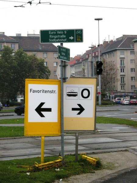Super Schild am Südtirolerplatz