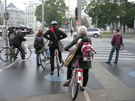 Radfahrer-Drängerei am Schwarzenbergplatz