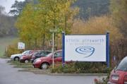Parkplatz vor der Klinik Pirawarth