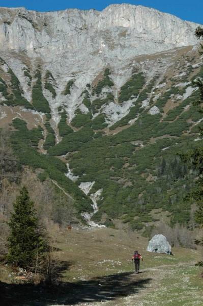 Rechts unten der erste Kletterfelsen, der uns lange beschäftigte