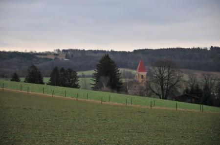 Blick zurück zur Kirche in Weinsteig