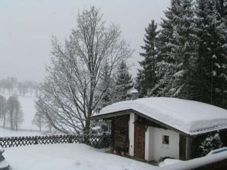 Sonntag früh - Schneefall! Auch schön!