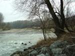Überlauf der Donau in den Seitenarm