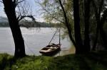 Ein Fischerboot am Ufer
