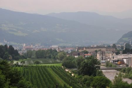 Blick auf Brixen, Klerant liegt ~ links oben im Hintergrund