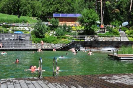 Da es ein heißer Tag war, fuhren wir zum Badeteich in Lüsen (geniale Anlage, klares Wasser, kostenlos, insgesamt waren wir 3x dort baden)