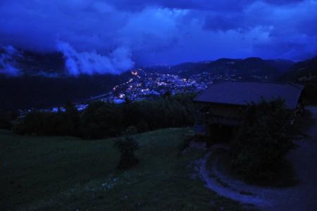 Dunkle Wolken über Brixen am Abend vor der Heimreise