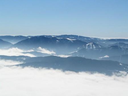 Blick über die Nebel im Tal nach Süden, Richtung Hochwechsel