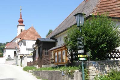 schwarzenbach-kirche-und-pfarrhof-web