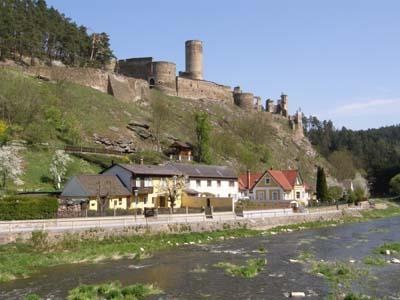 bb-kollmitzgraben-und-ruine-web-p2922