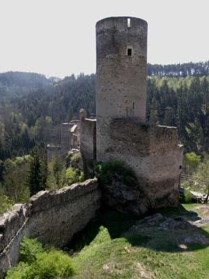 bb-ruine-kollmitz-bergfried-se-hoch-web-p2870