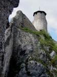 Bergfried und Aussichtswarte, eine steile Stiegenkletterei