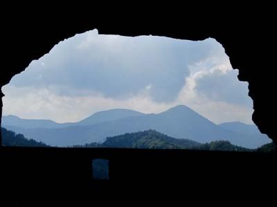Durchblick auf die steilen Gipfel des Wiener Wallfahrerwege - Raingupf und Kieneck