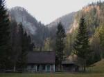 Jagdhaus Innereben mit Burgwand