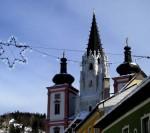Basilika mit Lichterstern