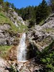 Kleiner Wasserfall am Sperriedel