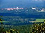 Knapp jenseits der Grenze die historische Stadt im Naturpark Gratzenerberge - Nove Hrady