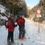 Los gehts ins Ramsental - Günter mit Schi und Eli mit Schneeschuhen!