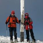 Wolfgang und Eli (dick vermummt) am Gipfel