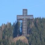 Das Pilgerkreuz oberhalb vom Ort Veitsch