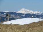 Marterl und Gipfelbuch, hinten der Dürrenstein (nix der Ötscher!)