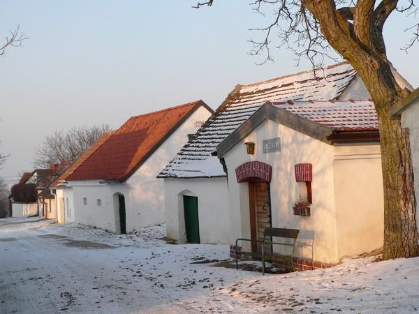 Winterstimmung in der Lanzendorfer Kellergasse